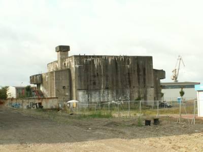 Bunker auf dem Gelände der ehemaligen Neptun-Werft