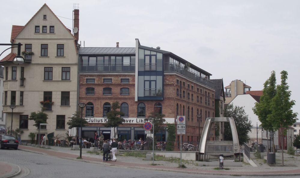 Ehemaliges Bürgerhaus - als Julius Krahnstöver, Korn- und Brantweinbrennerei, Hefe- und Likörfabrik überregional bekannt